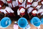 FOTO POLA HIDUP SEHAT : Begini Kala Siswa SD Belajar Cuci Tangan