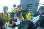 Foto kunjungan para siswa TK Puntukrejo 2 di Griya Solopos, Jl. Adisucipto 190, Solo, Jawa Tengah, Selasa (17/3/2015). (Evi Handayani/JIBI/Solopos)