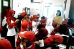Foto kunjungan para siswa SD Islam Umum Nawa Kartika di Griya Solopos, Jl. Adisucipto 190, Solo, Jawa Tengah, Kamis (26/3/2015). (Evi Handayani/JIBI/Solopos)