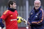 KARIR PEMAIN : Del Bosque Pertahankan Casillas