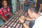 Ilustrasi beli batu akik (Dok/JIBI/Solopos)
