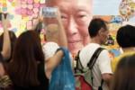 Suasana duka di Plaza Blok Tujuh Singapore General Hospital, Singapura, Senin (23/3/2015). (JIBI/Solopos/Antara/Evy R. Syamsir)