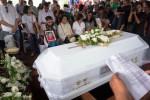 Kebaktian pelepasan jenasah Frans Tumbuan sebelum jenazah aktor senior itu dimakamkan di Tanah Kusir, Jakarta, Rabu (25/3/2015). (JIBI/Solopos/Antara/Teresia May)