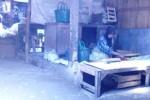 Salah satu penjual bumbu dapur di Pasar Gemolong menunggu pembeli, Senin (23/3). (Abdul Jalil/JIBI/Solopos)