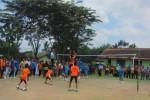 Pertandingan Voli tingkat Sekolah Dasar (SD) pada Pekan Olah Raga Pelajar Daerah (POPDA) se-Karsidenan Surakarta di Dan Kipan 408 Boyolali, Senin (23/3/2015). Pelaksanaan POPDA se-Soloraya yang diikuti oleh 1.400 peserta ini digelar 4 hari sampai Kamis (23/3/2015). (Muhammad Irsyam Faiz/JIBI/Solopos)