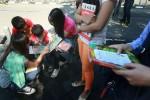 Relawan Baca Buku (JIBI/Harian Jogja/Desi Suryanto)