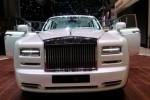 Rolls Royce Serenity tampak depan. (indianautosblog.com)