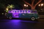 Tampilan VW Combi Limousine di malam hari (Autoevolution)