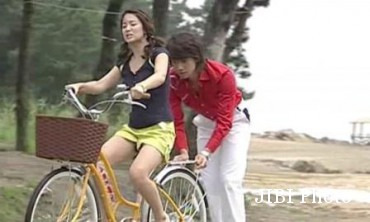 Sinopsis Ji Eun dan Yong Jae Pergi Berbulan Madu Setelah Menikah