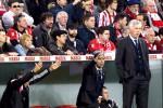 Pelatih Real Madrid Carlo Ancelotti mengamati timnya yang sedang berlaga melawan Athletic Bilbao di San Mames stadium. JIBI/Reuters/Vincent West