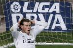 Begini reaksi pemain Real Madrid Gareth Bale setelah golnya dianulir wasit pada laga el clasico melawan Barcelona di Camp Nou stadium, Barcelona. JIBI/Reuters/Gustau Nacarino