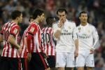 Reaksi pemain Real Madrid Bale dan Ronaldo (ka) seusai dikalahkan Bilbao. JIBI/Reuters/Vincent West