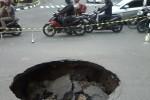 Jalan rusak di jalan Kenari (JIBI/Harian Jogja/Uli Febriarni)