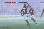 Alecsandro berselebrasi setelah mencetak gol (Youtube)