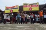 UNJUK RASA KLATEN : Geruduk Balai Desa, FMP Minta Kades Pundungan Dipecat