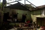 KEBAKARAN WONOGORI : Lupa Tak Matikan Kompor, 2 Kios di Sidoharjo Ludes Terbakar