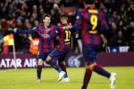 Barcelona pimpin klasemen (Reuters/Gustau Nacarino)