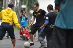 Arema Cronus Gelar Street Soccer (Ligaindonesia.co.id)