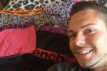 Curt Almond berpose dengan koleksi celana dalamnya (Dailymail.co.uk)