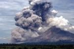 Kondisi terkini Gunung Sinabung yang meletus, Rabu (1/4/2015). (JIBI/Solopos/Antara/Endro Lewa)