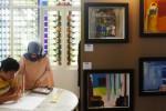 FOTO HARI AUTIS : Lukisan Penyandang Autisme Dipamerkan