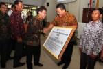 Bank Indonesia serahkan dana CSR bantu pasar darurat Klewer. (Ivanovich Aldino/JIBI/Solopos)
