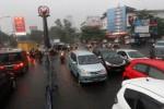 Kemacetan Purwosari akibat tertutupnya underpass Makamhaji, Senin (27/4/2015). (Ivanovich Aldino/JIBI/Solopos)