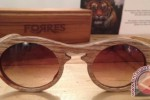 Frame kacamata dari pohon jengkol (Antara)