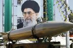 Abaikan Ancaman Trump, Iran Tetap Luncurkan Rudal