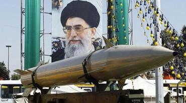 Ilustrasi rudak MI6 Iran yang bisa membawa hulu ledak nuklir. (telegraph.co.uk)