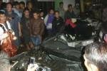 Mobil sedan Toyota yang terlibat kecelakaan maut di Jl. Lawu, Tawangmangu, Kamis (30/4/2015) mengalami rusak parah di bagian depan. Kecelakaan tersebut menyebabkan dua korban meninggal dunia. (Bayu Jatmiko Aji/JIBI/Solopos)