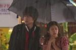 Seung Jo dan Ha Ni menunggu taksi (Istimewa)