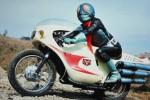 Shinjiro Kumagai memakai kostum kamen rider untuk memburu pengendara yang mabk (Dailymail.co.uk)