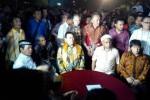 Tommy Soeharto dalam acara lelang batu akik yang diselenggarakan GSN, Sabtu (18/4/2015). (Twitter.com)