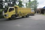 Sejumlah truk melewati kawasan Jalan Palagan Km 10. Rejodani, Ngaglik, Sleman setelah jembatan Turi ambrol. (Sunartono/JIBI/Harian Jogja)