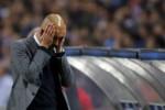 Reaksi pelatih Bayern Munich Pep Guardiola saat timnya harus takluk dari Porto pada perempat final Liga Champions di Dragao stadium. JIBI/Reuters/Miguel Vidal