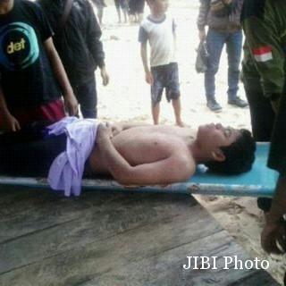Seorang korban kecelakaan laut, Mubasuki pingsan setelah berhasil dievakuasi. (JIBI/Harian Jogja/dok. SAR Satlinmas Wilayah II Gunungkidul)