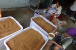 Proses pengepakan gula semut di Dusun Sekendal, Hargotirto, Kokap, Kulonprogo, beberapa waktu lalu. (JIBI/Harian Jogja/Rima Sekarani I.N.)