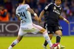 Pemain Celta Vigo Matias (ki) duel lawan pemain Real Madrid Marcelo. JIBI/Rtr/Miguel Vidal