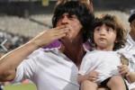 SERBA LIMA : Ini 5 Pose Menggemaskan Anak Shah Rukh Khan
