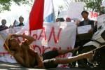 Demo Mei 2015 di Kediri, Rabu (20/5/2015). (JIBI/Solopos/Antara/Prasetia Fauzani)