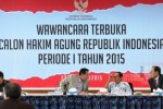 Calon hakim agung Sunarto mengikuti sesi wawancara oleh Komisi Yudisial saat ujian terbuka di Jakarta, Minggu (24/5/2015). (JIBI/Solopos/Antara/Akbar Nugroho Gumay)
