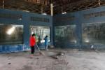 Teratium Taman Satwa Taru Jurug dibenahi, Jumat (22/5/2015). (Ivanovich Aldino/JIBI/Solopos)