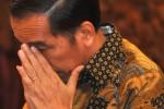 Presiden Joko Widodo berdoa saat pelepasan Tim Nusantara Sehat di Istana Negara, Senin (4/5/2015) . (JIBI/Solopos/Antara/Andika Wahyu)