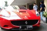 Mobil mewah Roro Fitria (Liputan6.com)
