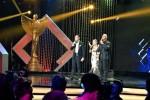 Daniel Mananta, Syahrini dan Deddy Corbuzier sebagai host Panasonic Gobel Awards 2015. (Twitter)