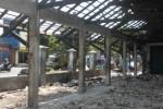Kondisi bangunan induk Pasar Grogol yang sudah ditinggalkan pedagang ke pasar darurat, Selasa (12/5/2015). (Moh. Khodiq Duhri/JIBI/Solopos)