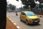 Suzuki Celerio menjalani uji jalan di Pulo Gadung, Jakarta. (JIBI/Detik)