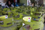 Tabung elpiji 3 kg kosong menumpuk di pangkalan milik Sri Wahyuningsih di Jl. Letty Ismail No. 5, Kampung/Kelurahan/Kecamatan/Kabupaten Sukoharjo, Rabu (13/5/2015). (Moh.Khodiq Duhri/JIBI/Solopos)