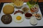 Gourmet Classic Burger (JIBI/Harian Jogja/dok. Hotel Tentrem Yogyakarta)